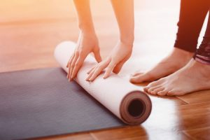 How to choose the best cheap yoga mat for you
